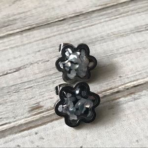 Jewelry - Confetti daisy post earrings silver and black